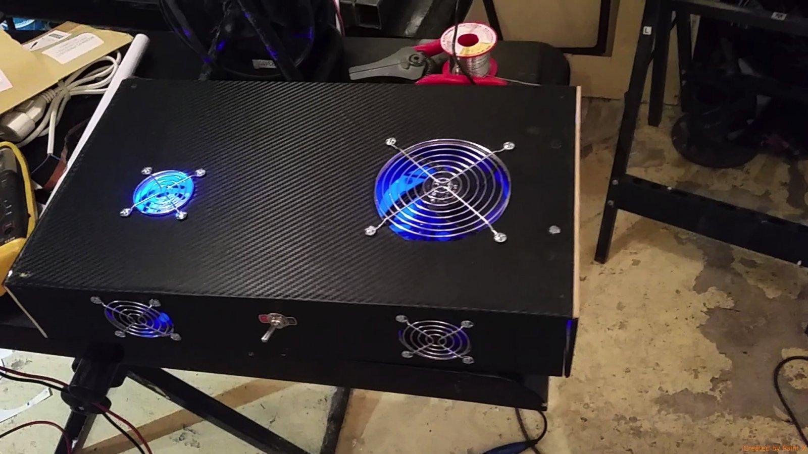 boitier electronique allume.jpg