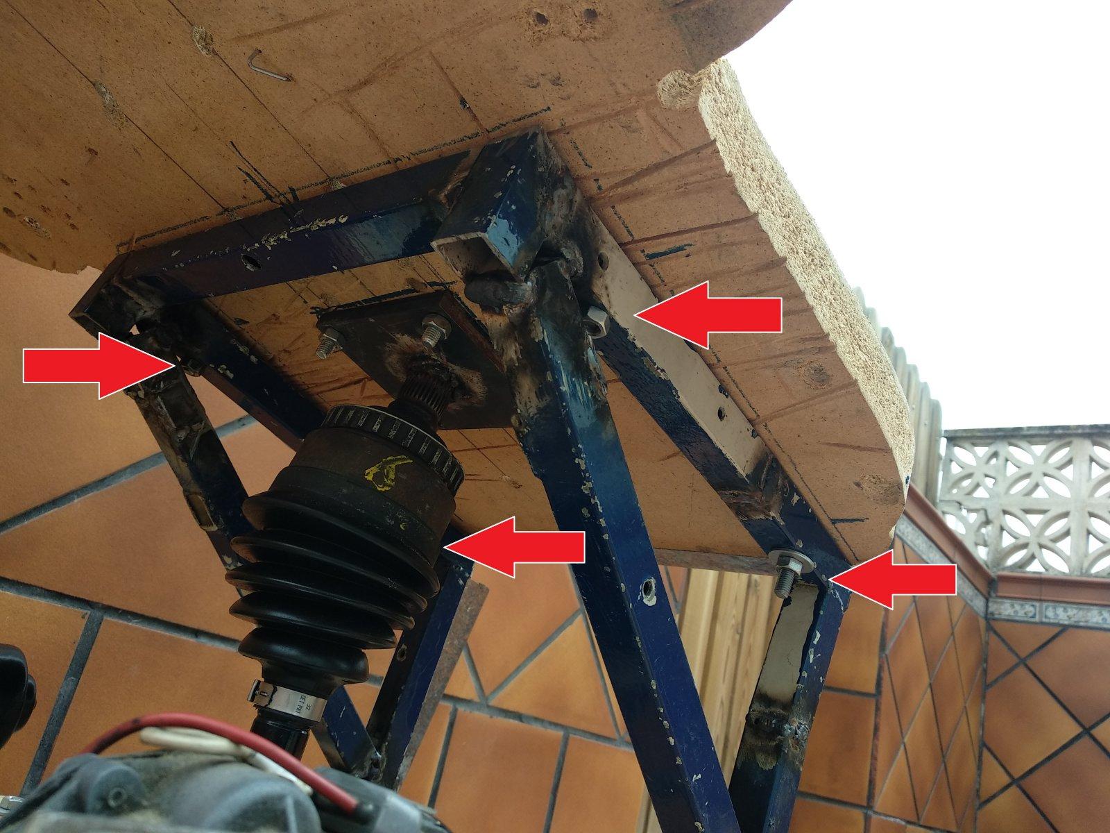 estructura por debajo flechas.jpg