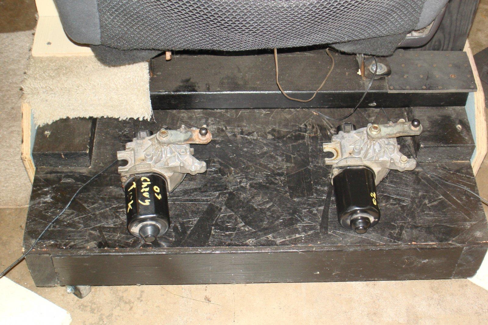 truck wiper motors.JPG